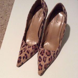 Never worn leopard print Quipd heels. Size 9
